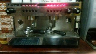 Maquina de café esspreso ottima 2 grupos + moli.