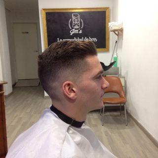 Corte pelo caballero, arreglo barbas, afeitados