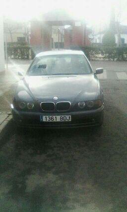 se vende Bmw520i de gasolina año 2000/2001