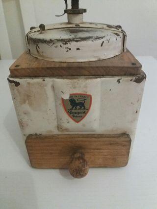 Molinillo antiguo Peugeot