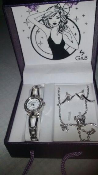 Conjunto reloj, collar y pendientes