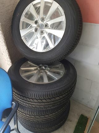 Llantas y neumáticos mazda x5