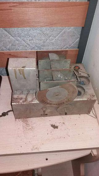 Restauramos y reparamos radios antiguas.