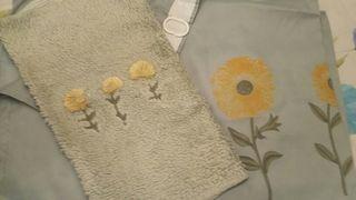 Juego de alfombra y cortina de ducha