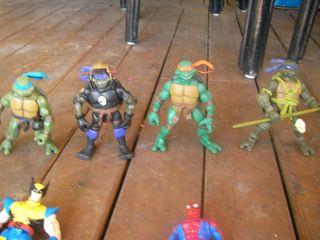 Figuras super héroes tortugas ninja.