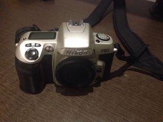 Camara Nikon F60