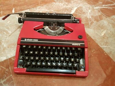 Maquina escribir silverrte con maletin