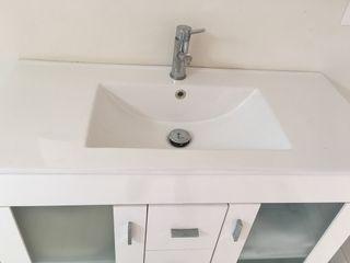 Lavabo nuevo. Solo lavabo. En Ciutadella De Menorca!!
