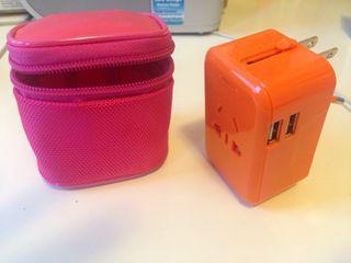 Adaptador de viaje con 2 USB
