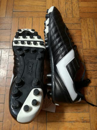Botas tacos fútbol nuevas