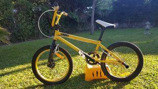 Bicicleta BMX Wipe Five Design