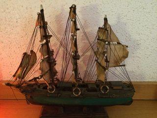 Maqueta barco madera antigua