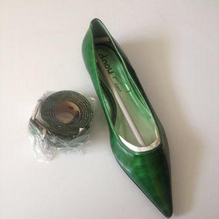 Zapato y cinturón nuevo