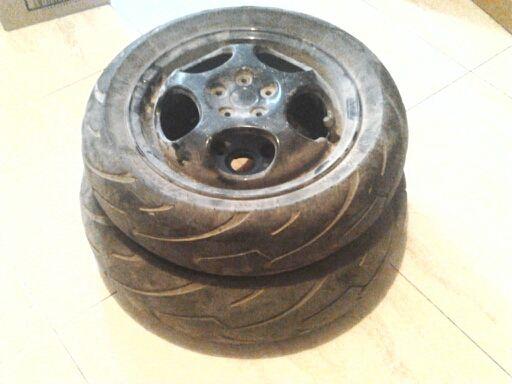 Llantas scooter con neumáticos
