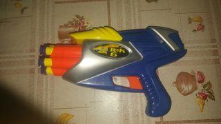 Pistola lanza dardos de goma