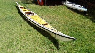 Kayak piragua de Mar en fibra reforzada
