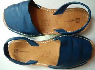 Abarcas menorca Piel azul marino talla 37. zapatos