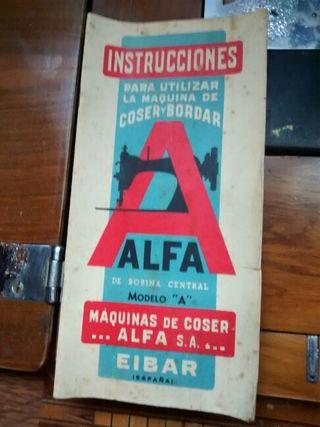 Maquina de coser antigua Alfa A