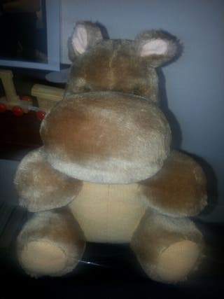 peluches niño hipopotamo perro jirafa elefante