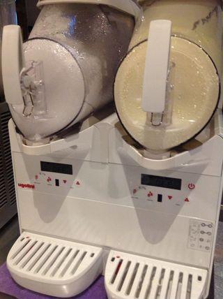 Maquina De Helado Soft De 2 Depositos De 6 Litros