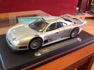 Mercedes CLK-GTR Street Version