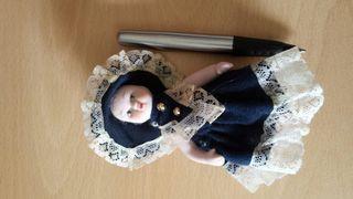 Muñeca para casa de muñecas