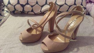 Zapatos tacón color crema
