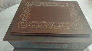 Biblias de dos tomos! Con atril de madera noble !