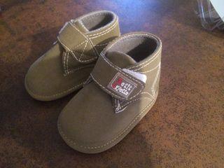 Zapatos bebé verde Kaki