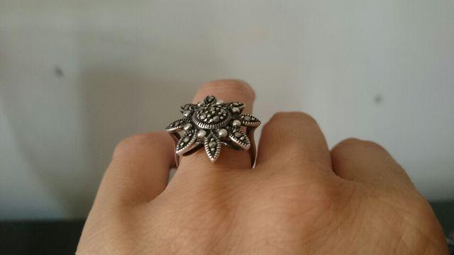 fca8ab68a059 Anillo flor plata vieja de segunda mano por 24 € en El Campello en ...