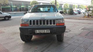 Jeep Grand Cherokee 4.0 gasolina con 196cv.