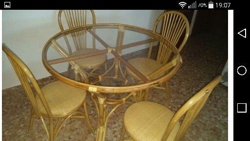 Mesa de bambú
