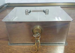 Caja Fuerte de metal Medianas con llave