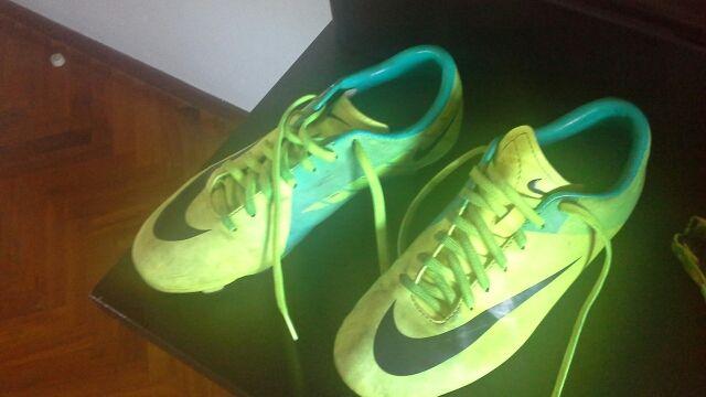 Vendo o cambio botas de futbol
