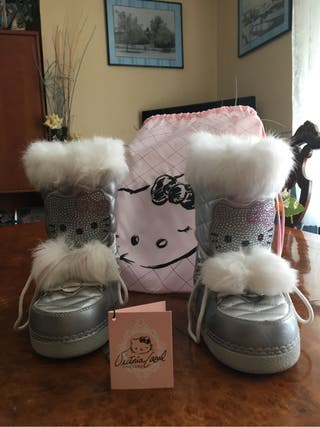 Botas Hello Kitty by Victoria Casal Couture