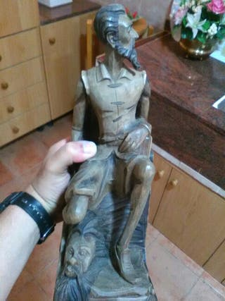 Tayas figura en madera artesana