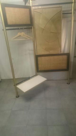 Biombo de diseño y taburete de tienda