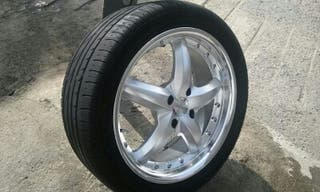 "Vendo 4 llantas 17"" con neumáticos usados."