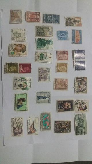 Gran colección de sellos de España sólo e puesto una página gente sereia interesados ha hacerme oferta