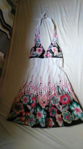 Vendo vestido.
