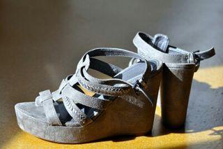 Nuevas sandalias cuña, t.39