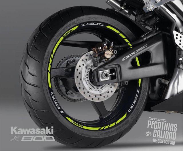 Vinilos tiras moto Kawasaki Z800 llanta