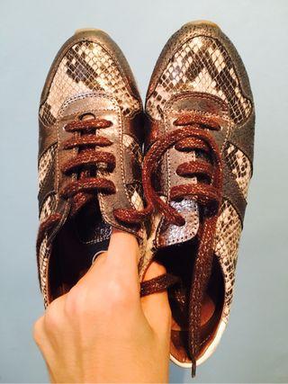 Zapatillas bambas Wonders doradas metalizadas