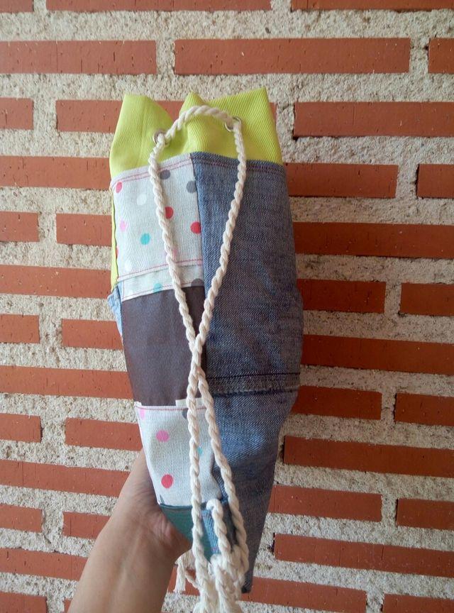 Mochila saco tamaño M de patchwork artesanal