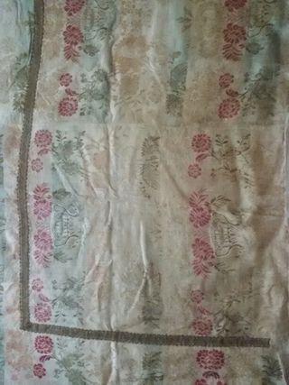 Tejido antiguo sobre tejido de algodon