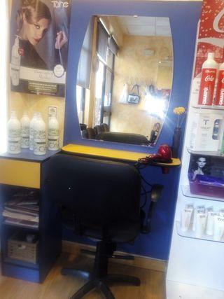 Mobiliario completo de peluquería