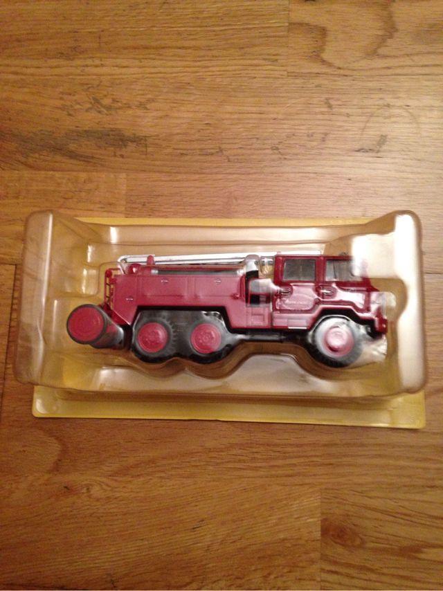 Camión bomberos Berliet FF 6x6 1/43