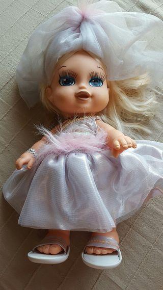 Muñeca Jagget vestida de novia