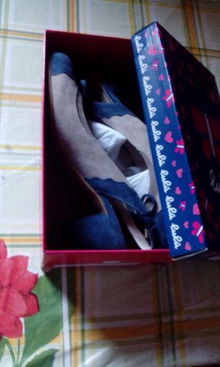 Zapatos sin extrenar azul y gris