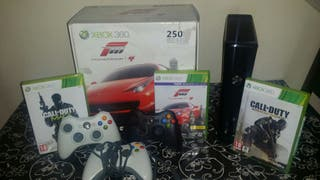 Xbox 360 250GB + 3 mandos + 3 juegos